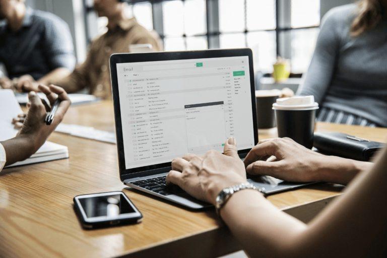 Aumente o seu networking para conseguir um emprego sem experiência com mais facilidade